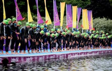 London 2012 Women's Triathlon race start